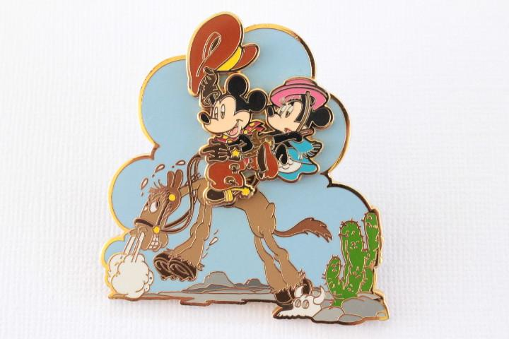 Cowboy Mickey & Minnie on Horse!